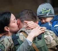 Чому чоловіки-військові не зможуть користуватися новим правом декретної відпустки: пояснення
