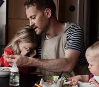 Тато в декреті: шведський фотограф показав реалії батьківства через свої кадри