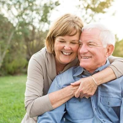 Життєва мудрість крізь роки: які корисні поради дали бабусі та дідусі своїм онукам