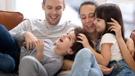 Виховати успішну та впевнену дитину: які ролі батьків можуть допомогти