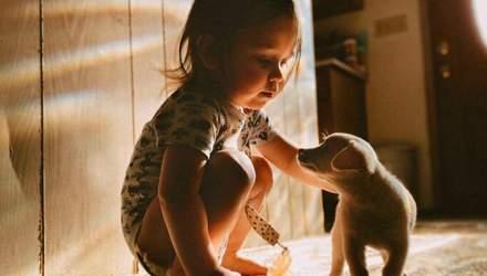 Чому діти мають міцні стосунки з домашніми улюбленцями: зворушливі фото