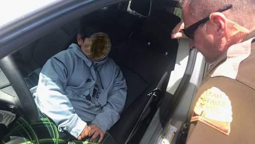 5-річного хлопчика спіймали за кермом авто, коли він їхав купувати собі машину за три долари