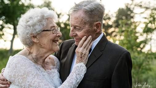 Пара відсвяткувала 60 років шлюбу, одягнувши свої весільні вбрання: неймовірні фото