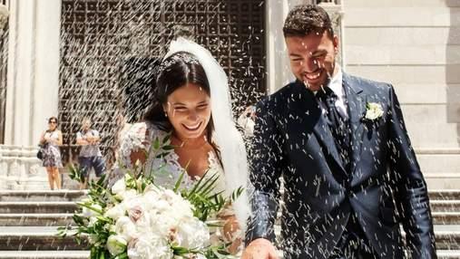 Наречений розсмішив всіх гостей курйозною витівкою: відео з весілля