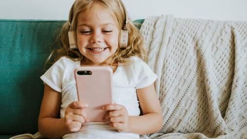 5 вопросов, которые помогут понять, стоит ли дарить ребенку смартфон