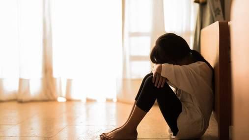 Как родителям вовремя распознать суицидальное настроение подростка: основные признаки
