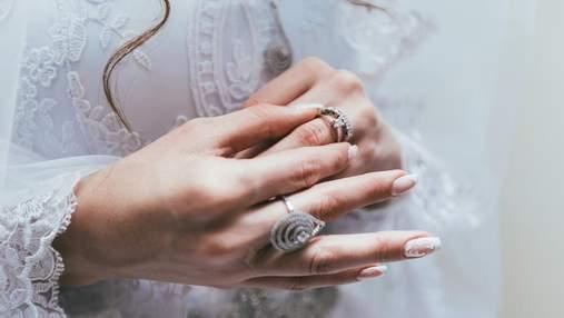 Пара ледь не розійшлася через невдалу обручку: кохана не оцінила діамант