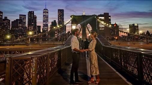 Пара поженилась на Бруклинском мосту без родственников и друзей: какие фото сделали прохожие