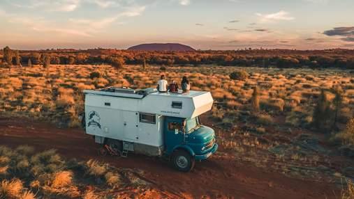 З Австрії до Австралії: подружжя організувало подорож у трейлері, щоб наблизити сина до природи