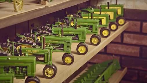 92-річний дідусь зі США робить з дерева реалістичні моделі сільськогосподарської техніки