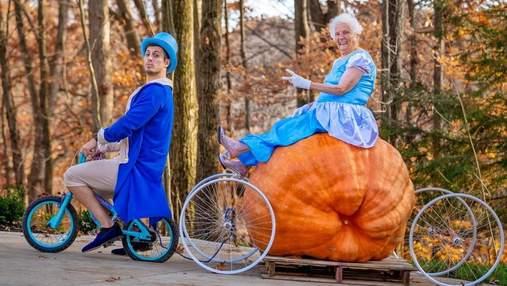 Никогда не поздно: 95-летняя бабушка с внуком разрывают сеть фото в забавных костюмах