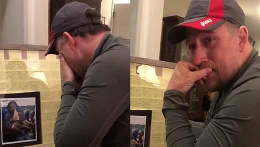 Зворушлива реакція вітчима на подарунок від доньки: що вразило чоловіка – відео